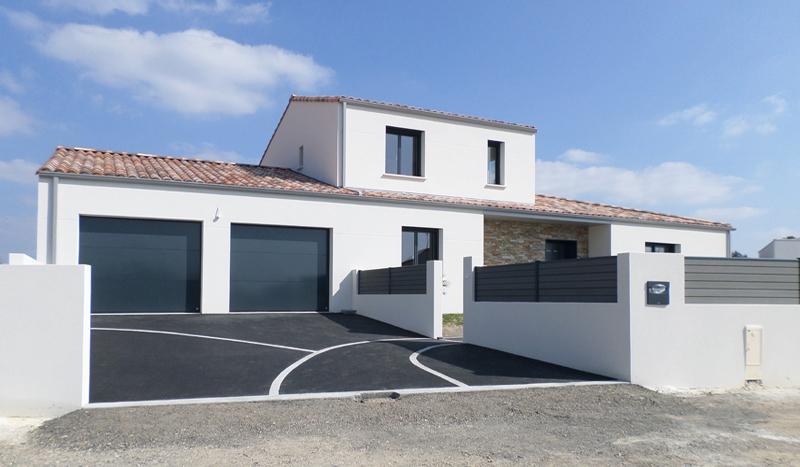 Constructeur maison individelle vend e 85 biron for Extension maison lotissement